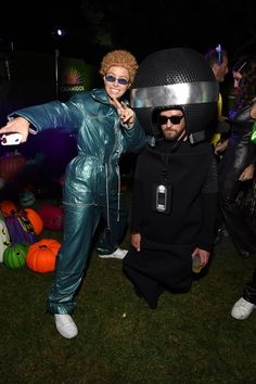 Jessica Biel Already Raised the Bar For Halloween With Her '90s Justin Timberlake Costume -  Jessica Biel Dressed Up as Justin Timberlake For Halloween  - #90s #already #bar #Biel #costume #ellendegeneres #halloween #jessica #justin #justintimberlake #raised #timberlake