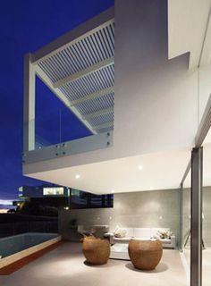 Contemporary Style Beach House patio