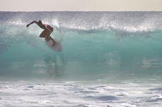 5 sitios perfectos para disfrutar del surf en España y Portugal  Probablemente para muchos de nuestros lectores, el turismo deportivo sea una muy buena idea. En este caso, te presentamos ideas para disfrutar de él en las costas de España y Portugal.