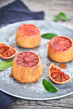 Aujourd'hui, je vous propose une recette à base d'orange sanguine et de semoule fine. J'ai était inspiré par une recette de Réquia . C'est un petit gâteau moelleux, à la mie plus dense qu'un gâteau classique et imbibé de sirop, c'est un délice. Pour 8...