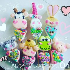 La imagen puede contener: 1 persona, comida y texto Valentine Cake, Love Valentines, Home Bakery Business, Marshmallow Treats, Cookie Pops, Sweet Cookies, Candy Party, Cupcake Cookies, Royal Icing
