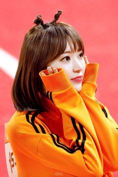 Kpop Girl Groups, Kpop Girls, Sakura Miyawaki, Japanese Girl Group, Kim Min, Soyeon, The Wiz, Ulzzang Girl, South Korean Girls