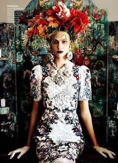 Karlie Kloss in Dolce for Vogue UK, shotby Mario Testino