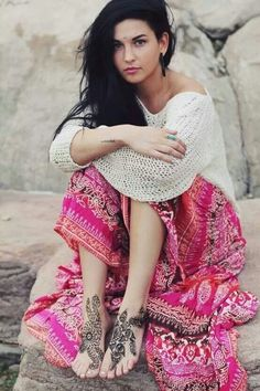 Boho skirt & henna tattoo