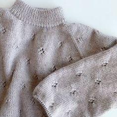 DROPS Design / Garnstudio (@dropsdesign) • Instagram photos and videos Crochet Bolero, Gilet Crochet, Crochet Diagram, Free Crochet, Knit Crochet, Baby Knitting Patterns, Lace Knitting, Crochet Patterns, Drops Design