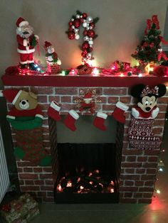 icu ~ How To DIY A Christmas Fireplace From Cardboards Grinch Christmas Decorations, Blue Christmas Decor, Colorful Christmas Tree, Diy Christmas Tree, Diy Halloween Decorations, Christmas Ornaments, Diy Christmas Fireplace, Alternative Christmas Tree, Christmas Crafts