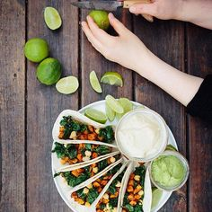 This sweet potato taco was just 👌🏻👌🏻 roasted sweet potatoes, garlic sautéed green kale & chickpeas, some cashew cream flavored with mango chutney and dijon mustard and then some avocado mixed with lime and herbal salt. Green food that's great for both body, mind and soul. 🙏🏻🙏🏻🙏🏻💚🌱💚🌱. #mindfuleating #gogreen #madebymary #greenfood #greenfoodies #feedfeedvegan @thefeedfeed @thefeedfeed.vegan #feedfeed #taco #whatveganseat #greensoul #greenlife #yogafood #healthspo
