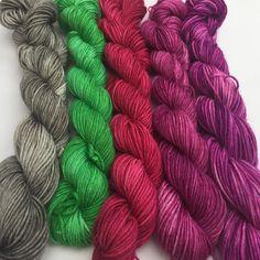 Blackberry smoothie minis! Love love love #motherofpurl #knittersofinstagram #knitstagram #dyealltheyarn #minis #merinonylon