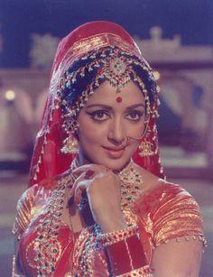 Throw back photo of Hemamalini ji Most Beautiful Bollywood Actress, Indian Bollywood Actress, Bollywood Girls, Bollywood Stars, Beautiful Actresses, Indian Actresses, Vintage Bollywood, Indian Celebrities, Bollywood Celebrities