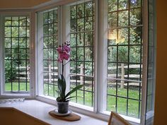 Soundproof windows refer to two different products and solutions for the excessive noise heard inside the house from the outside with the windows closed. Upvc Windows, Sash Windows, Windows And Doors, Soundproof Windows, Window Glazing, Plastic Coating, Laminated Glass, Double Glazed Window, Through The Window