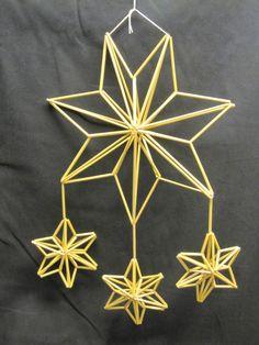 Christmas Card Crafts, Christmas Mantels, Diy Arts And Crafts, Hobbies And Crafts, Parol, Christmas Feeling, Handmade Ornaments, Hacks Diy, Yule