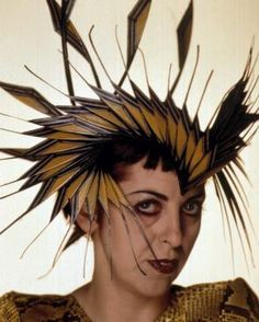 I miss her sense of style - Isabella Blow in the Pheasant Hat that she was buried in (candycaneladiess.blogspot.com)