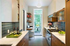 Elegant Small Kitchen Ideas ~ http://www.lookmyhomes.com/best-small-kitchens-design-ideas-20-image/