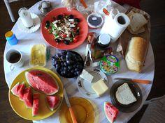 Ideen die beim Essen kommen? #ideenwerkstatt: Entweder du ernährst dich heute bewusst nur gesund oder komplett ungesund – such's dir aus! Passiert was? #idee #inspiration #111dinge #achtsamkeit #gesund #lecker #mussauchmalsein