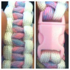 #paracord #bracelet #bubblegum #white #pinkbuckle #buckle #cobra #550paracord contact: knottysurprise@gmail.com
