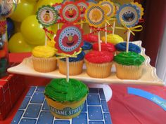 Cupcakes for a Sesame Street Party #sesamestreet #partycupcakes