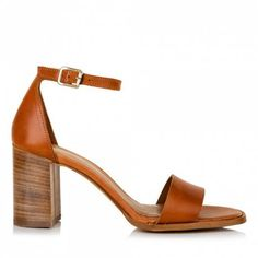 Sante πέδιλο μπαρέτα τρουκς ταμπάαπό γνήσιο δέρμα.Το τακούνι του έχει ύψος 7 εκ.Διαθέτει εσωτερικό αφρώδη δερμάτινο πατάκι. Heeled Mules, Sandals, Heels, Fashion, Heel, Moda, Shoes Sandals, La Mode, Pumps Heels