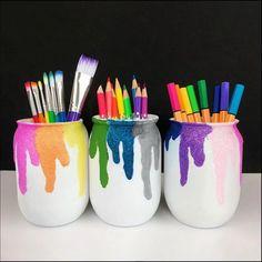Diy Room Decor Videos, Cute Diy Room Decor, Mason Jar Crafts, Bottle Crafts, Diy Arts And Crafts, Easy Crafts, Pen Holder Diy, Diy For Kids, Crafts For Kids