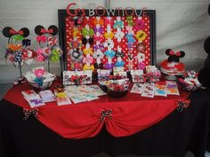 minnie mouse bowtique party invitations - Google Search