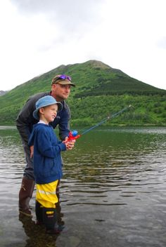 With towering mountains plus pristine waters so full of fish, Alaska is a cool destination among the adventure-minded, moms and dads included.