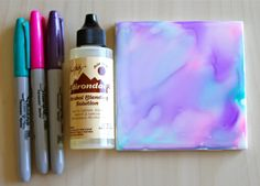 Holly's Arts and Crafts Corner: Craft Project: Alcohol Ink Tiles Part Experimenting with Alcohol Inks these look so pretty Alcohol Ink Tiles, Alcohol Ink Crafts, Alcohol Ink Painting, Sharpie Alcohol, Rubbing Alcohol, Sharpie Crafts, Sharpie Art, Sharpies, Tile Crafts