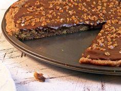 Biscoito de Chocolate pizza com Nutella Ganache | 18 Cookie Cakes That Won't Let You Down