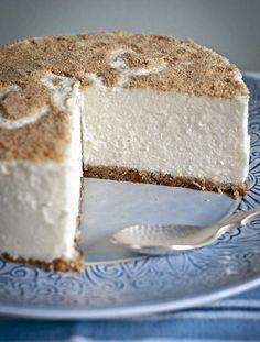 tarta de nata Thermomix Bakery Recipes, Wine Recipes, Dessert Recipes, Flan, Hispanic Desserts, Delicious Desserts, Yummy Food, Cooking Cake, Cheesecake Cake