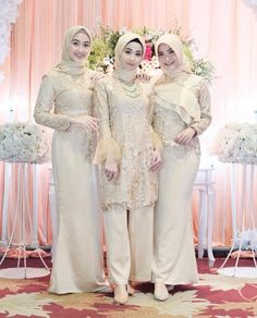 Hijab Gown, Hijab Dress Party, Hijab Style Dress, Hijab Outfit, Kebaya Wedding, Muslimah Wedding Dress, Hijab Wedding Dresses, Prom Dresses, Kebaya Modern Dress
