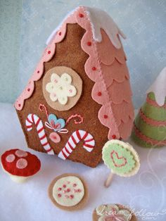 I want to make something like this <3 Love it... maybe a scene for displaying around the holidays! :)