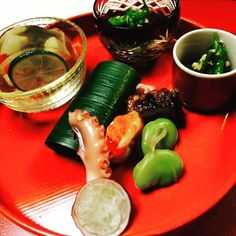 お膳 まさに京都っぽい  #kyoto#japan#dinner#meal#food#foodporn#photiporn#stylish#create#eye#beautiful#colourful#arty#artist#chief#imagination#talented#start#bonapetit#kaiseki#yummy#hungry#pleasure#happy#life#smile#drunk by sausagram