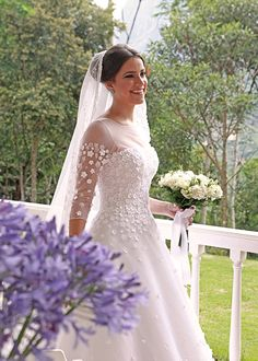 Casamento na fazenda: Maria Luiza Gouvea Vieira + Paulo Gouvea - Constance Zahn Flower Power, Wedding Designs, Wedding Styles, Boho, Here Comes The Bride, Floral Design, Wedding Dresses, Lace, Flowers