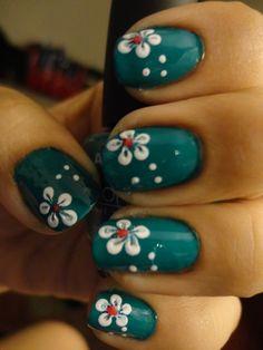 Easy nail art using toothpick