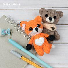 Tiny fox amigurumi (and other animals) free crochet pattern at Amigurumi Today Crochet Fox Pattern Free, Crochet Toys Patterns, Amigurumi Patterns, Crochet Crafts, Crochet Projects, Amigurumi Doll, Free Crochet, Free Pattern, Knitting Patterns