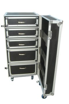 Road case for a touring band pinterest road cases - Boite a outils avec tiroirs ...