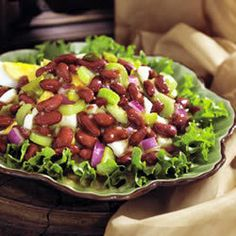 A colorful summer salad that mixes our Kidney Beans with red onions and hard-boiled eggs. These recipes were created with our vegetarian and gluten-free friends in mind. However, we recommend reading each label to make sure every ingredient suits your dietary needs. Please also remember that product formulations can change, so if you ever have any questions, make sure to contact the product manufacturer!