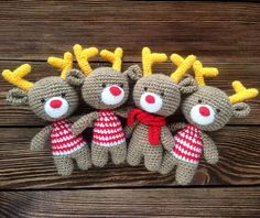 Christmas reindeer with amigurumi crochet Holiday Crochet, Christmas Knitting, Crochet Gifts, Cute Crochet, Crochet Hooks, Christmas Sweaters, Crochet Toys Patterns, Amigurumi Patterns, Stuffed Toys Patterns