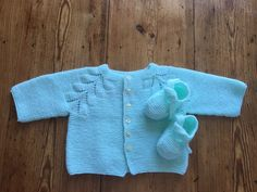 Translation Baby Jacket - The Malle aux Mille Mailles - Knitting 02 Baby Cardigan, Cardigan Bebe, Knit Baby Sweaters, Girls Sweaters, Sweaters For Women, Baby Knitting, Crochet Baby, Crochet Double, Knitting Ideas