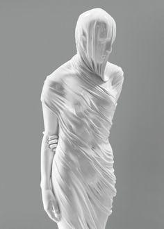 Kevin Francis Gray Ballerina, 2011 aus Carrara-Marmor, 190 x 45 x 52 cm, Foto Software, Under The Veil, Photo D Art, Maila, Monochrom, White Aesthetic, Public Art, Oeuvre D'art, Sculpture Art