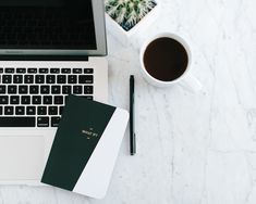 Coming to Terms with My Blogging Fears (And How You Can Too) Flat Lay Inspiration, Workspace Inspiration, Flat Lay Photography, Book Photography, Laptop Photography, Foto Cv, Frederic M, Foto Still, Enjoy The Little Things