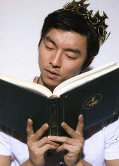 You know K-drama actor Gong Yoo best as the cocky yet lovable Choi Han Kyul in the TV series The Shop of Coffee Prince but did you know that he is a DJ as well? He was a DJ for at the Radio Broadcast section of the Korean. Goblin Gong Yoo, Goong Yoo, Busan South Korea, Yoo Gong, Coffee Prince, Matthew Perry, Korean People, Korean Men, Bi Rain