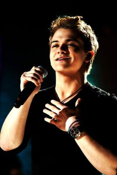 Hunter Hayes. A lovely boy with a lovely voice.