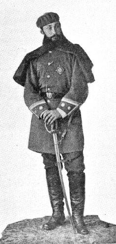 Prudencio ARNAO Nació en Guetaria en 1842 e ingresó en el cuerpo de Miqueletes con 17 años. Era cabo cuando se presentó voluntario para la guerra de África junto a otros 51 miembros del mismo cuerpo de Miqueletes. Participó en la batalla de Wad Ras. Al iniciarse la Segunda Guerra Carlista era sargento de Miqueletes y destacó en su lucha contra los carlistas. Fue uno de los mayores enemigos del cura Santa Cruz