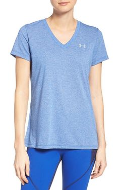 twist tee by Under Armour. Under Armrour's Threadborne tech fabric offers more stretch and recovery with a buttery-soft feel so you can bend, mo...