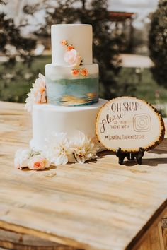 Absolutely Gorgeous Blush and Gold Rustic Winery Wedding Ideas! Dessert Bar Wedding, Rustic Wedding Reception, Wedding Sweets, Wedding Cake Rustic, Fall Wedding Cakes, Boho Wedding Decorations, Rustic Wedding Centerpieces, Watercolor Wedding Cake, Wedding Cake Alternatives