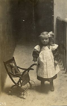 Girl with bow and doll. How precious is this. The era the photo everything and the little girl is just a little doll herself. How sweet. Vintage Children Photos, Vintage Pictures, Old Pictures, Vintage Images, Old Photos, Victorian Photos, Antique Photos, Vintage Photographs, Victorian Era