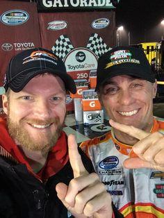 RT @dale Earnhardt Jr.: Solid #RIRselfie @JR Motorsports pic.twitter.com/7nCH7JUeRC