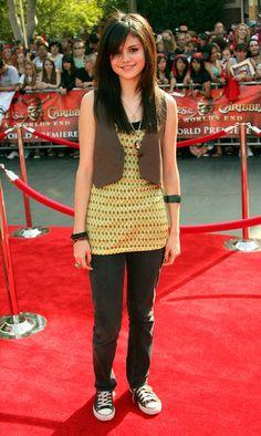 Selena Gomez Photos - World Premiere Of Walt Disney s