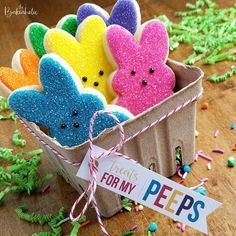 Here's Easter Bunny cookie recipe & an exhaustive list of best decorated Easter bunny cookies. Check cute Easter bunny cookies pictures and inspire yourself Cute Easter Bunny, Easter Peeps, Hoppy Easter, Easter Brunch, Easter Party, Easter Food, Cute Cookies, Easter Cookies, Easter Treats
