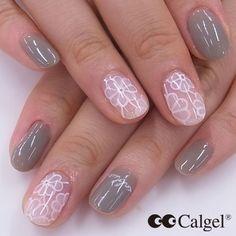 Today's Calgel nails Colors WH01 CGBK01+CGCW+CGGR01 #Calgel #MogaBrookUSA #GelNails #NailArt #Calgelus #Nail #Flower #Beige #Fashion #Art #naildesign #beauty