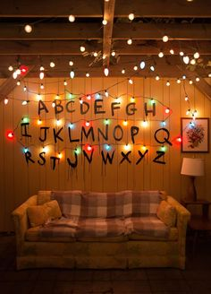 So, season 2 of Stranger Things was released Friday, and Chip and I planned for a marathon viewing party to celebrate the second season. Because we loved the first season … wallpaper ideas How To Throw A Stranger Things Viewing Party - Lay Baby Lay Stranger Things Netflix, Stranger Things Tumblr, Stranger Things Quote, Stranger Things Aesthetic, Stranger Things Season, Stranger Things Lights, Stranger Things Alphabet Wall, Stranger Things Christmas Lights, Maker